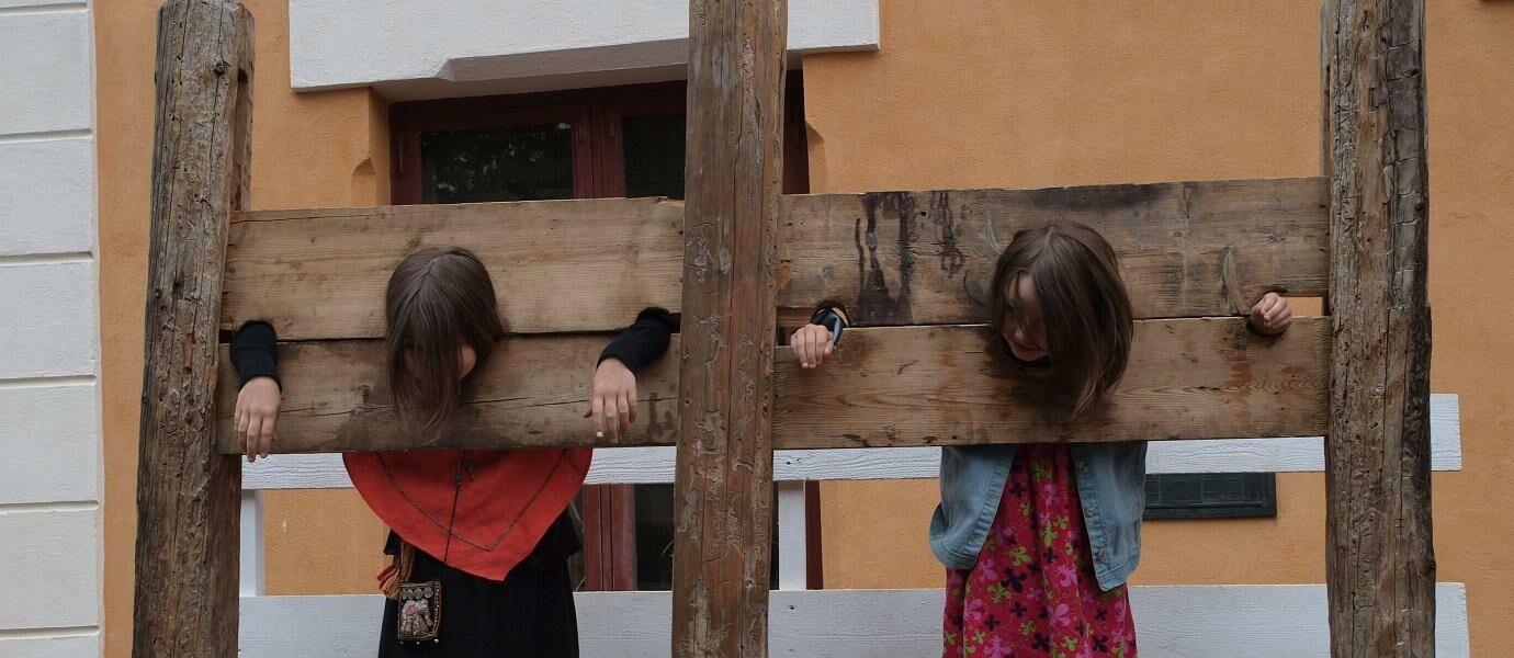 8 Hukuman Sekolah Paling Kejam Dari Seluruh Dunia
