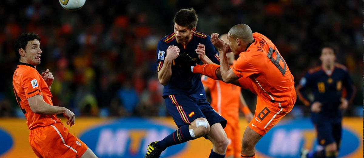 5 Pelanggaran Paling Mengerikan di Dunia Sepak Bola