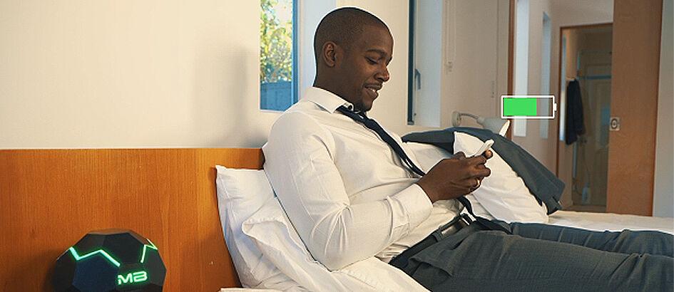 Canggih! Telah Hadir Wireless Charger JARAK JAUH Untuk Semua HP