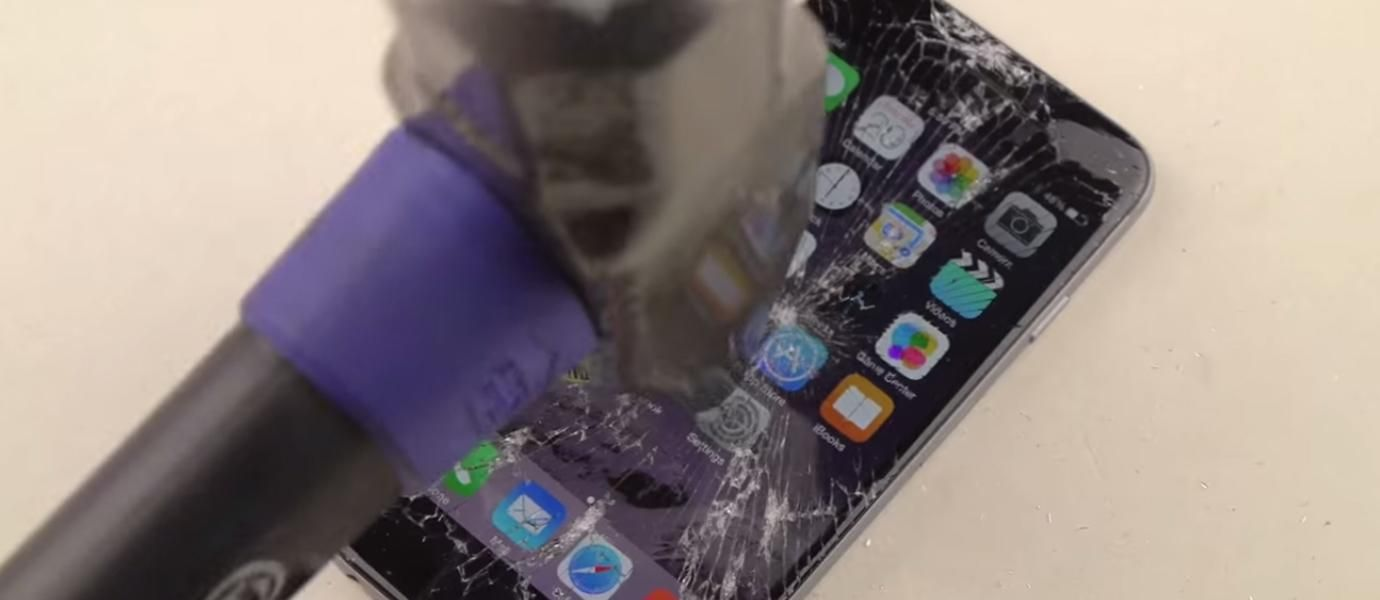 Hebat IPhone 6 Masih Hidup Setelah Digetok Palu Besi JalanTikuscom