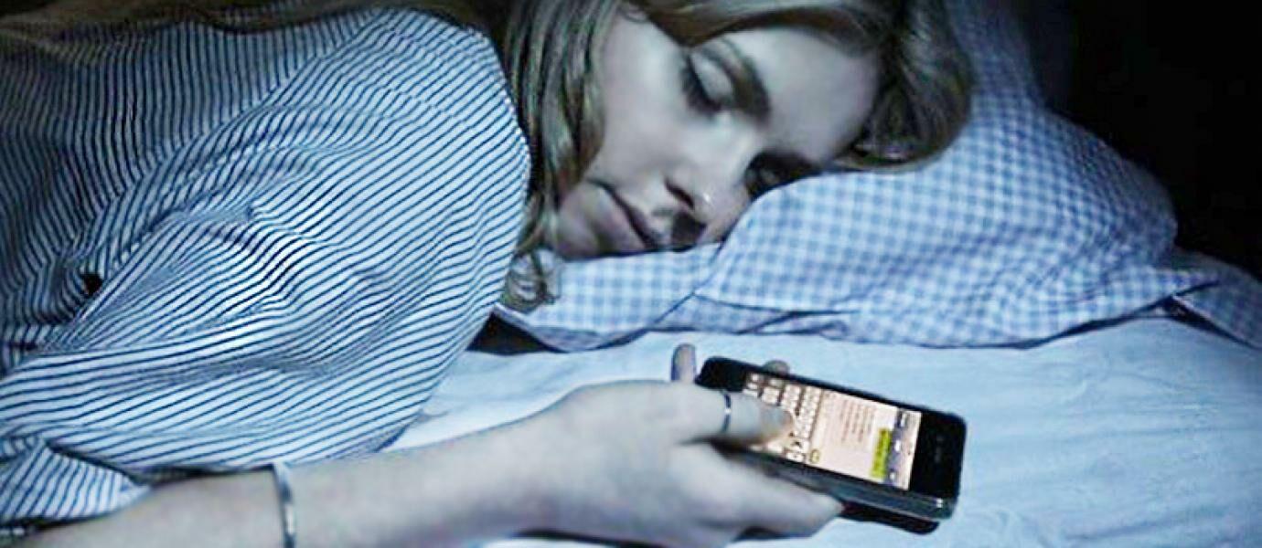 11 Daftar Penyakit Mengerikan Akibat Terlalu Lama Menggunakan Smartphone