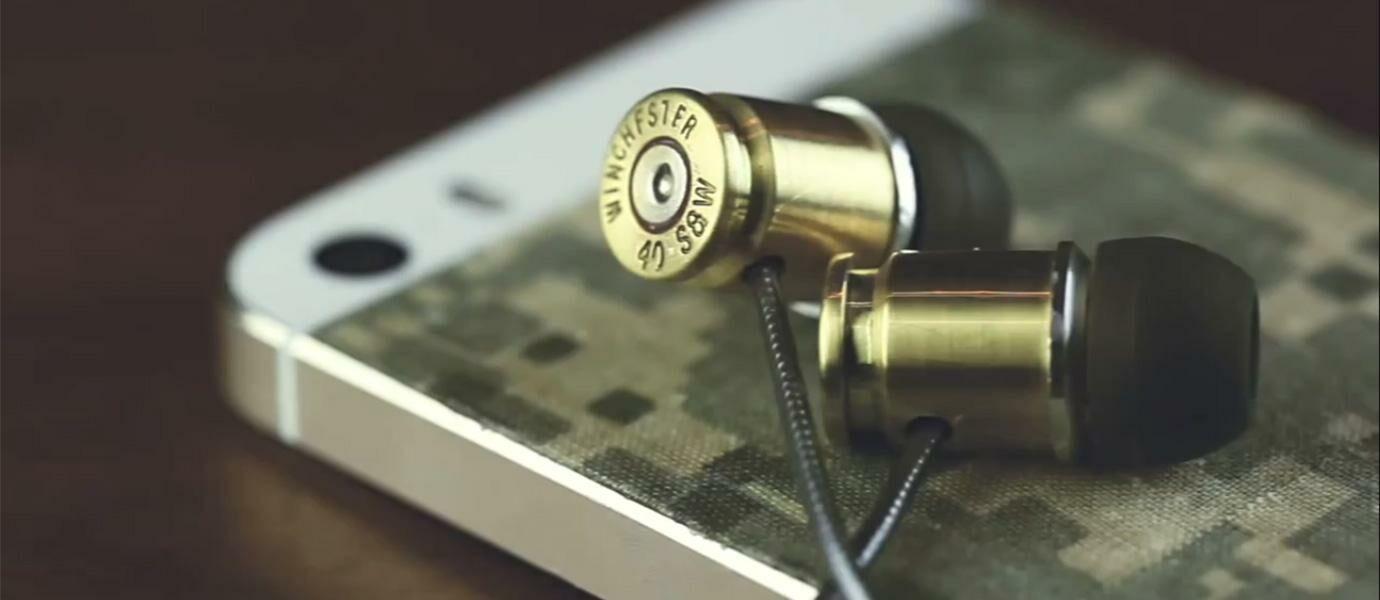 Keren! Video Gokil Ini Menunjukkan Cara Membuat Earphone Dari Peluru