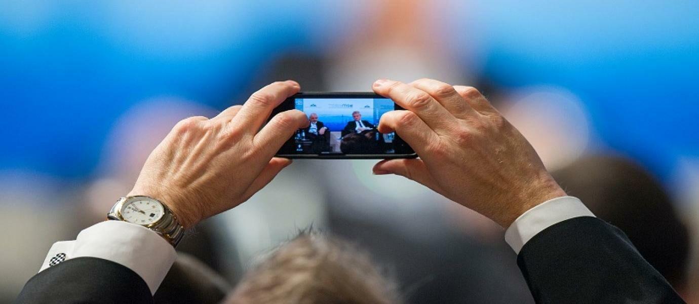 7 Barang Yang Terancam Punah Karena Tergantikan Fungsinya Oleh Smartphone