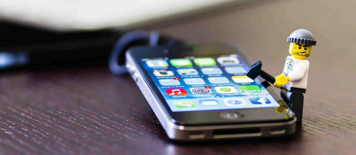 8 Tanda Smartphone Kamu Disadap Hacker