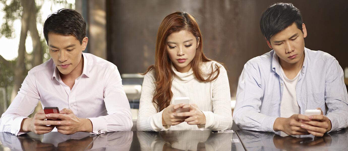 5 Tanda Kamu sudah Kecanduan Smartphone