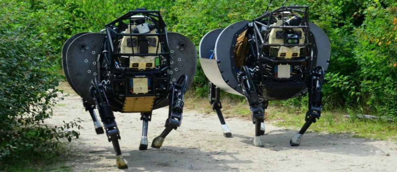 Los Robots Del Pentagono En Las Manos De Dos Veinteaneros Vascos Picsayqgaga Bc628