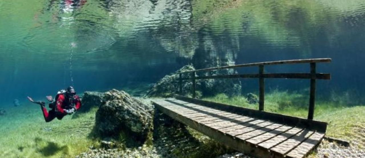 6 Danau Paling Aneh Di Dunia Ad688