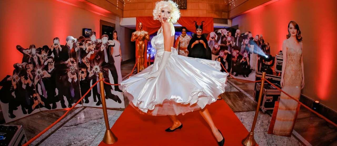 Gaun Aneh Di Red Carpet 07b51