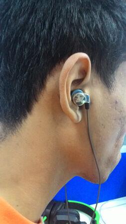 Headphone Vs Headset Vs Earphone 4