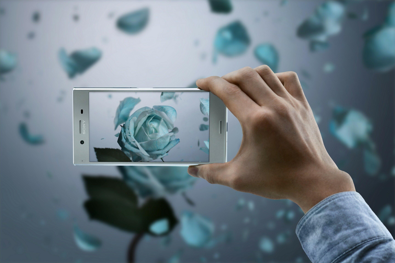 Smartphone-tahan-air-Sony-Xperia-XZ-Premium