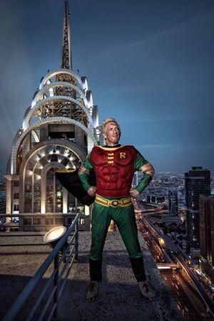 Superhero Di Dunia Nyata Mini 12
