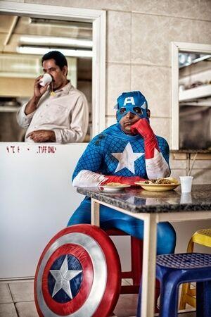 Superhero Di Dunia Nyata Mini 3