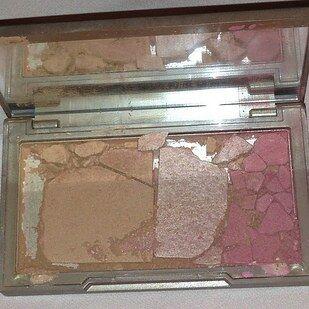 Alasan Kenapa Harus Suka Cewek Pake Make Up 13