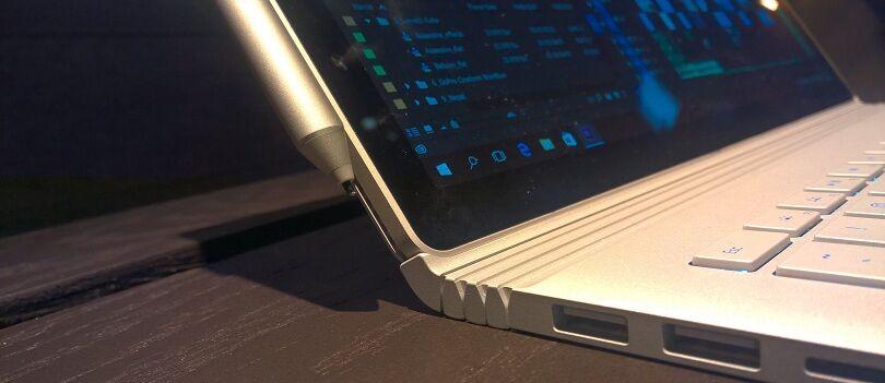 Microsoft SURFACE BOOK: Laptop perdana Microsoft Dengan Spek Dewa dan Tampilan Futuristis!