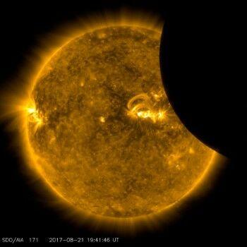 Gerhana Matahari Total Di Indonesia C2510
