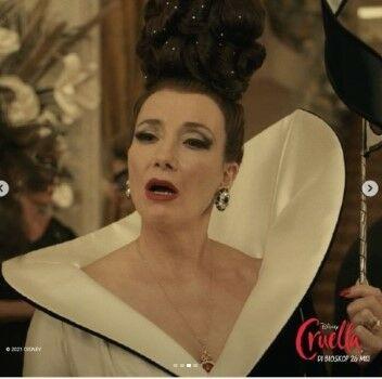 Igun Rancang Kostum Film Cruella 1c834