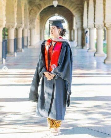Foto Maudy Ayunda Lulus S2 Stanford University 9ac74