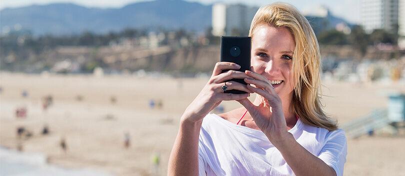 8 Smartphone Selfie Terbaik Lengkap dengan Flash di Depan