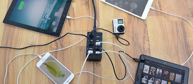 Wow, Charger Ini Bisa Charge 10 Gadget Sekaligus