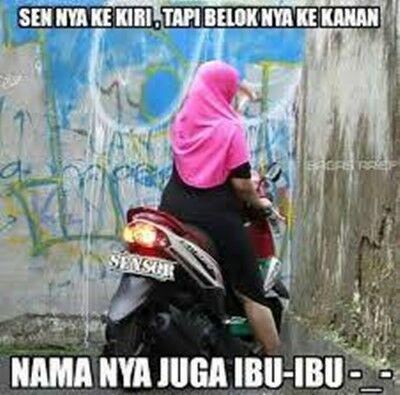 Meme Ibu Ibu Naik Motor 13