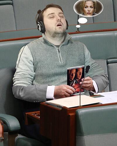 Photoshop Tidur Di Kantor 3