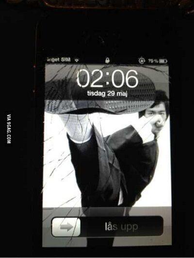 Layar Smartphone Retak 3