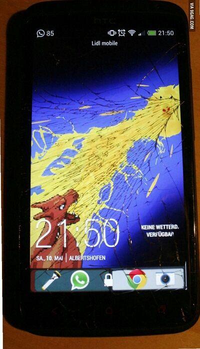 Layar Smartphone Retak 12