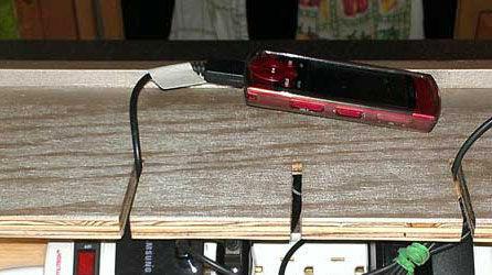 3 Tips Mencegah Baterai Smartphone Panas Dan Meledak 2