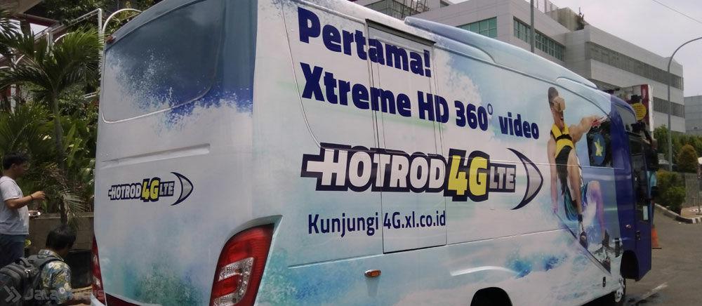 Nikmati Jalan-jalan Gratis dan Karaoke dalam Bus HotRod 4G XL