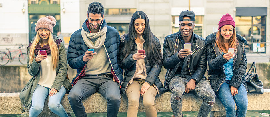 Lebih Hemat Uang, Ini 5 Alasan Kenapa Kamu Harus Pakai Smartphone Flagship!