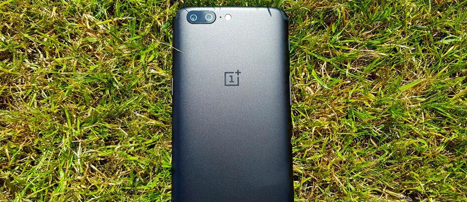 5 Alasan OnePlus 5 Jadi Smartphone Paling Cadas dan Layak Dibeli