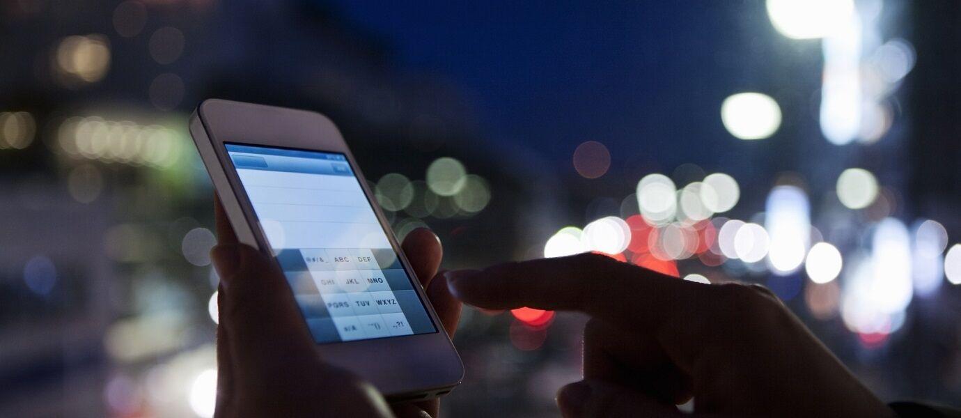 Kasihan! 5 Negara Ini Bikin Penduduknya Gak Boleh Pakai Smartphone