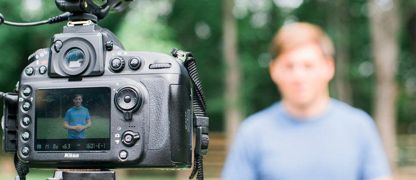 5 Kamera Berkualitas yang Paling Cocok Digunakan Untuk Nge-Vlog