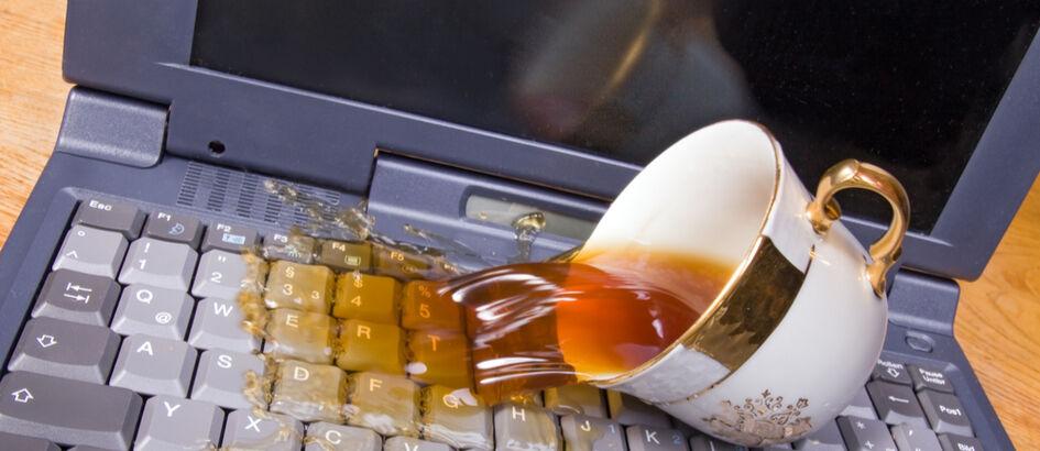 Laptop Kena Air? Begini Cara Mudah Mengatasinya!