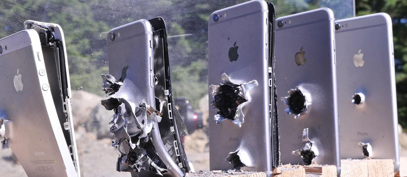 Ditembak Sampai Diblender?! Ini 5 Eksperimen Samsung vs iPhone Paling Gila Sepanjang Masa