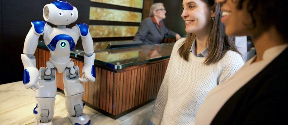 Robot Pelayan dan 5 Hotel dengan Teknologi Paling Canggih
