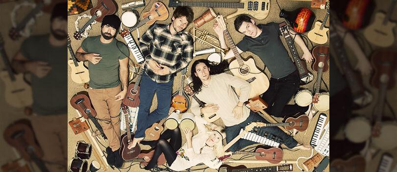 Gokil, Band Keren Ini Nyanyikan Lagu