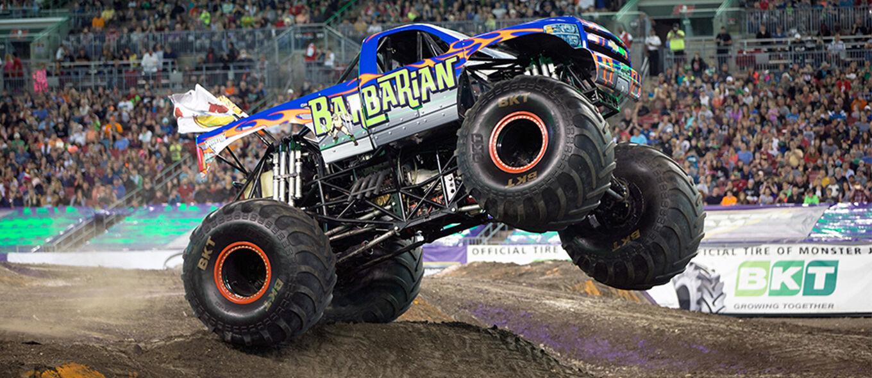 Dilindas Langsung Jadi Kwetiaw! 5 Kendaraan Monster Darat yang Besarnya Nggak Ketulungan