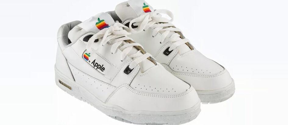 Wow! Sepatu Buatan Apple Dijual Harga Mulai Rp200 Juta