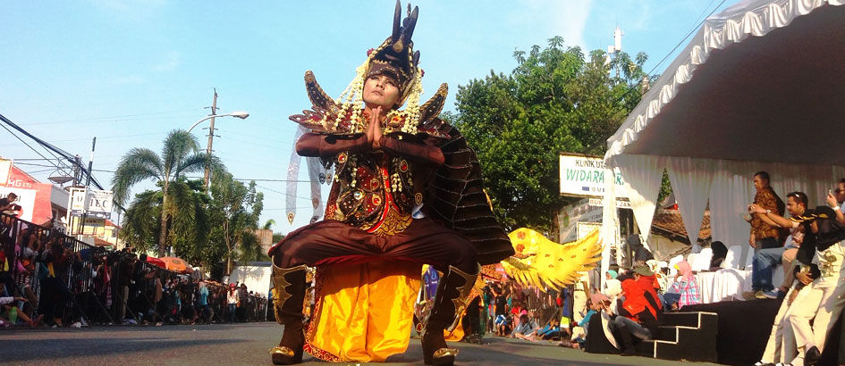 Kids Jaman Now Wajib ke Tempat Wisata Malam di Cirebon Ini!