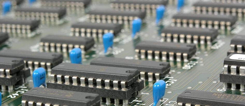 Suka Komputer? Jago Kalau Tahu Perbedaannya UEFI, BIOS, GPT, dan MBR!