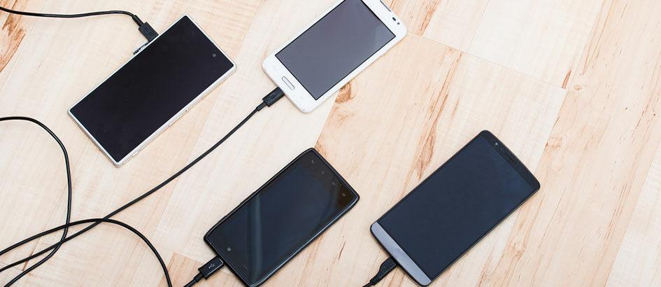 Benar atau Salah, Ini 6 Mitos dan Fakta 'Nge-charge' Smartphone