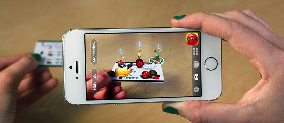 Apa Sih Perbedaan Augmented Reality vs Virtual Reality?