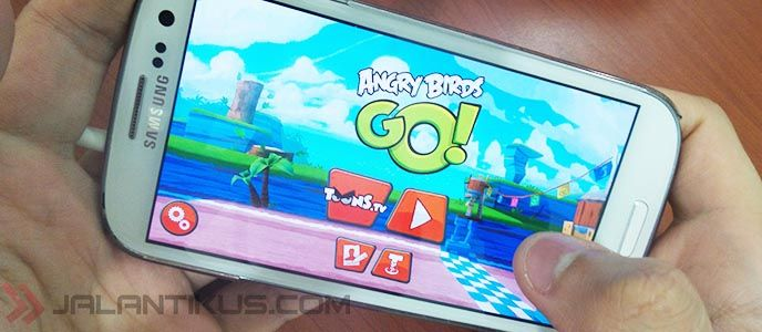 Balapan di Angry Birds Go for Android