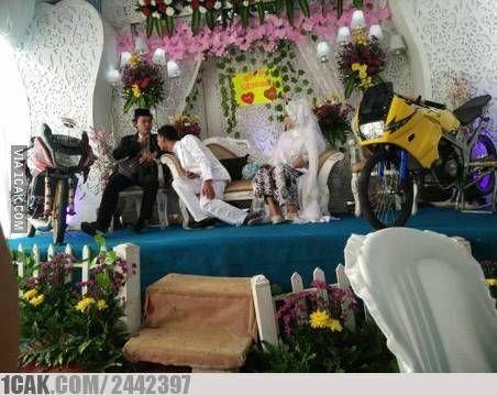 Konsep Pernikahan Unik Showroom Motor Adb7b
