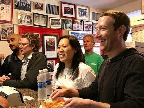 Mark Zuckerberg August Chan Zuckerberg 4c5ae