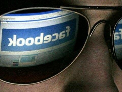 Facebook Memata Matai Pengguna Edc00