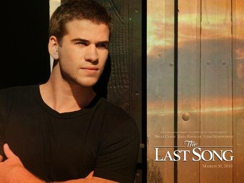 Liam Hemsworth C84e2