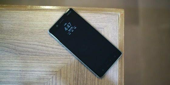 10-ponsel-stock-android-murni-terbaik 4