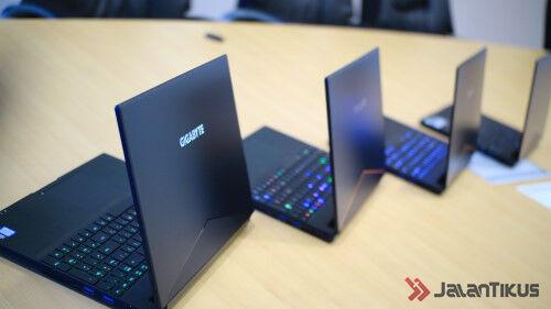 Gigabyte Aero Series Laptop Gaming Tipis 1 Wm